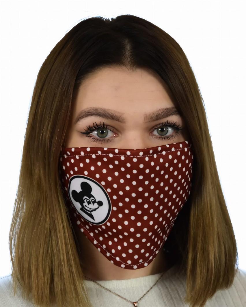 W czasie pandemii koronawirusa maseczki ochronne stały się...