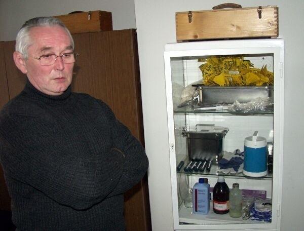 Tadeusz Sech, powiatowy lekarz weterynarii w Tarnobrzegu jest zatrwożony zachowaniem człowieka, który wyrzucił martwy drób.