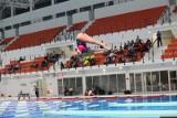 Problem na Zatoce Sportu: rodzice nagrywają pływanie, dzieci na basenie są skrępowane...