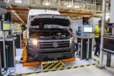 Volkswagen Poznań rozpoczyna szczepienia pracowników. Chętnych jest 500 osób. Za szczepienie przeciw COVID-19 przysługuje im dzień wolny