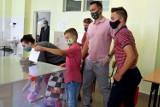 WYBORY 2020. Mieszkańcy Tarnobrzega zagłosowali w II turze wyborów prezydenckich [ZDJĘCIA]
