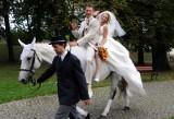 Tak się żeni mistrz! Zobacz dzisiejsze wesele wioślarza Michała Jelińskiego z Gorzowa (wideo i zdjęcia)