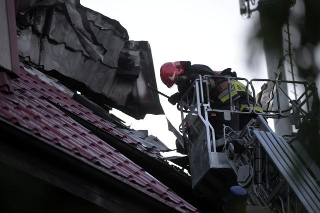 Pożar domu jednorodzinnego, zdjęcie ilustracyjne