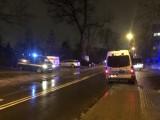 Zatrzymanie złodzieja samochodów w centrum Łodzi. W centrum Łodzi padły strzały. Uciekinier próbował potrącić policjantów ZDJĘCIA