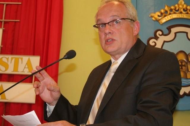 Radny Lesław Giżyński dostał odpowiedź z RIO, że opinia, na którą się powoływano w magistracie nigdy nie została napisana