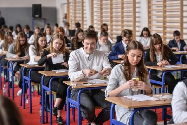 Egzamin gimnazjalny 2019 - język niemiecki. Odpowiedzi i arkusze CKE