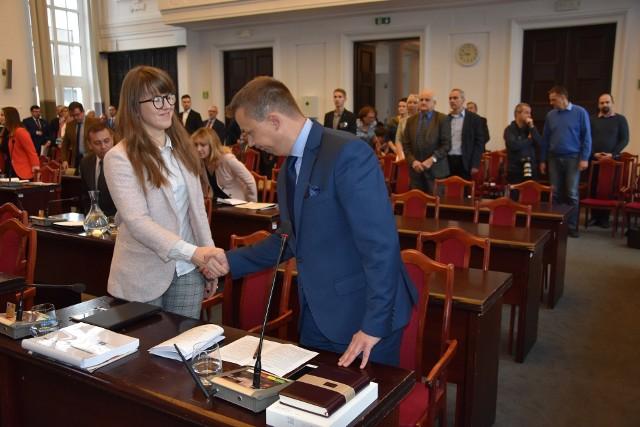 Tomasz Anielak został zaprzysiężony jako nowy radny Rady Miejskiej w Łodzi.