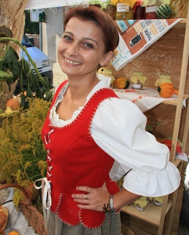 Renata Schaedler mieszka w Kamionnie pod Międzychodem. Działa w Fundacji na rzecz obchodów 750-lecia Kamionny.