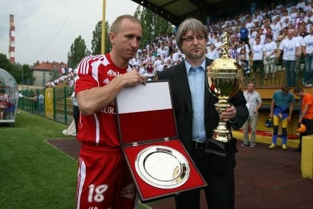 Janusz Okrzesik pierwszy awans Podbeskidzia do Ekstraklasy świętował w roli prezesa klubu. Teraz cieszy się z sukcesu Górali jako zwykły kibic