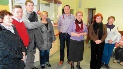 Mieszkańcy, radni i szef Ośrodka Zdrowia w Szycach interweniują, by ich placówka nie straciła kontraktu FOT. BARBARA CIRYT