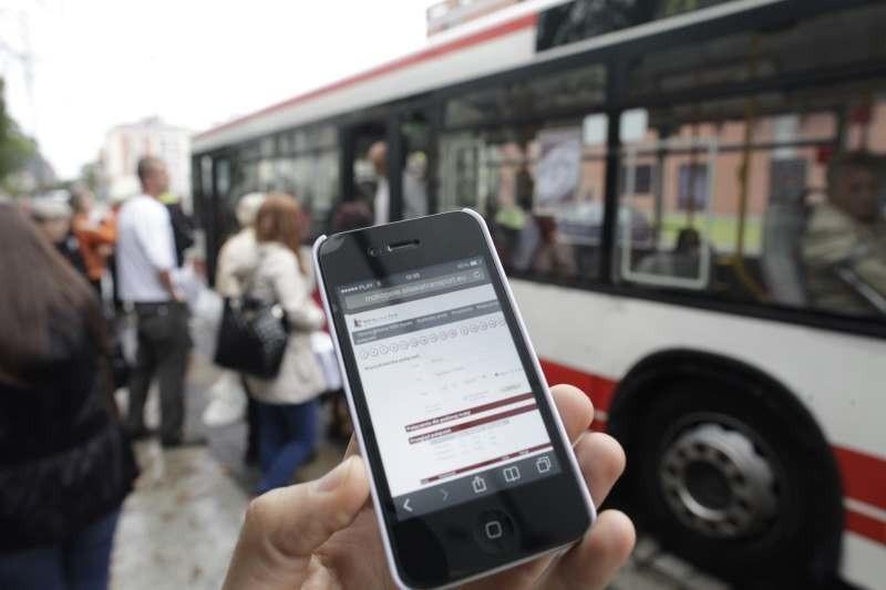 Bilet okresowy można kupić np. za pomocą telefonu...