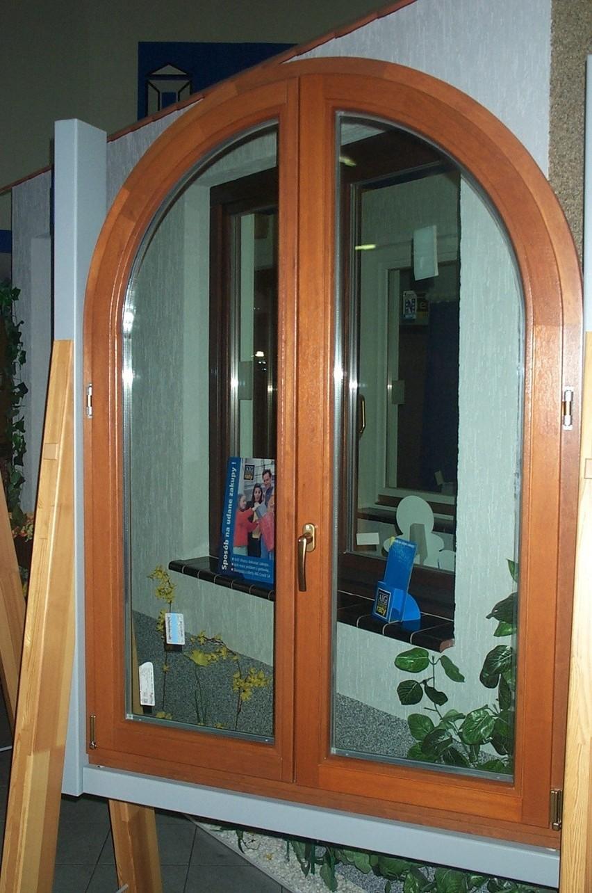 Takie okno, choć efektowne, nie z każdym wnętrzem się komponuje.