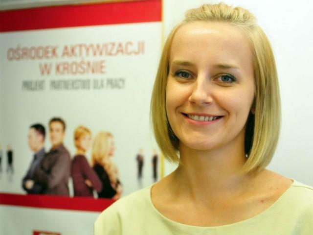 Praca dla tych, co długo nie mogą jej znaleźć- Po 3,5 roku bezrobocia dostałam etat w biurze. Bez pomocy agencji nie miałaby na niego szans – podkreśla. Anna Książkiewicz z okolic Dukli.