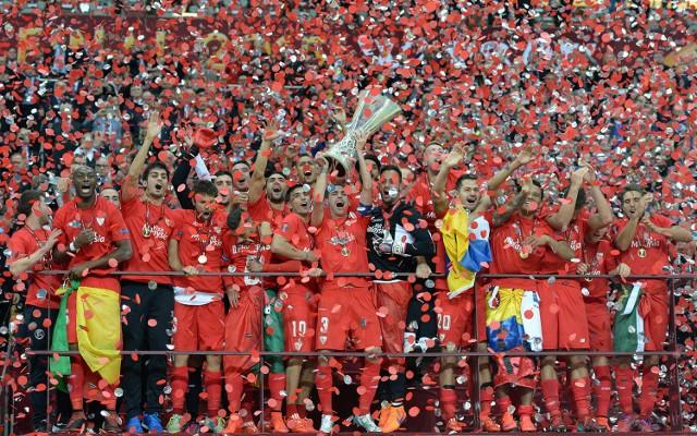 Dnipro – Sevilla 2:3. Piłkarze hiszpańskiej Sevilli, z Grzegorzem Krychowiakiem w składzie, pokonali Dnipro Dniepropietrowsk 3:2 i wznieśli puchar Ligi Europy.
