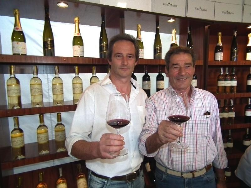 O sobie i produkowanych przez siebie winach opowiadali Alfiero (z prawej) i Massimo Comaschi,