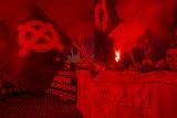 Poznań: Falangi, krzyże celtyckie i awantura na dworcu po Marszu Zwycięstwa? Policja nie potwierdza