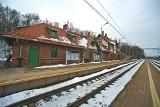 Remont dworca na uczęszczanej linii. Postarali się odtworzyć historyczny kolor