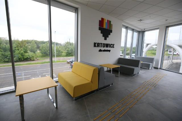 Nowy Nowy międzynarodowy dworzec autobusowy w Katowicach przy Sądowej