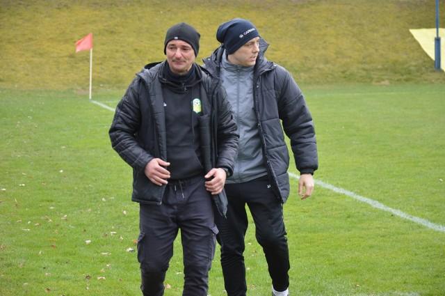 Trener Andrzej Sawicki i jego asystent Michał Sucharek bardzo dobrze taktycznie ustawili zespół, a piłkarze zrealizowali  ich pomysł na zdobycie trzech punktów.