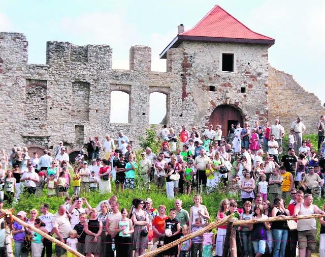 W ten weekend pod zamkiem w Rabsztynie odbędzie się turniej rycerski. Ale i tak na teren ruin nie będzie wolno wchodzić