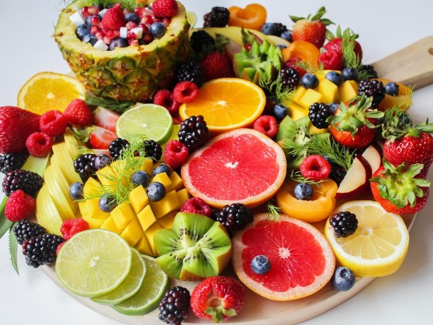 Owoce z wysoką zawartością wody to pomysł na smaczną oraz...