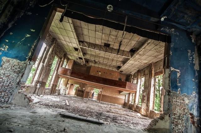 Kino Cukrownik przy ulicy Poprzecznej. Sala mogła pomieścić 194 osoby. W 2013 roku kino zostało wyburzone…