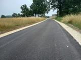 Nowe nakładki asfaltowe na drogach w gminie Krasocin (ZDJĘCIA)