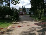 Alarm bombowy w Knyszynie. Ewakuacja Urzędu Miasta i Gminy. Alarm bombowy także w szkole w Niećkowie - ewakuowano blisko 300 osób
