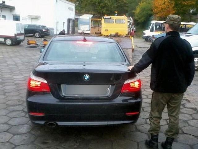 Odzyskane przywłaszczone bmw 520 o wartości 50 tys. zł to wynik czwartkowych działań funkcjonariuszy darłowskiej Placówki Straży Granicznej.