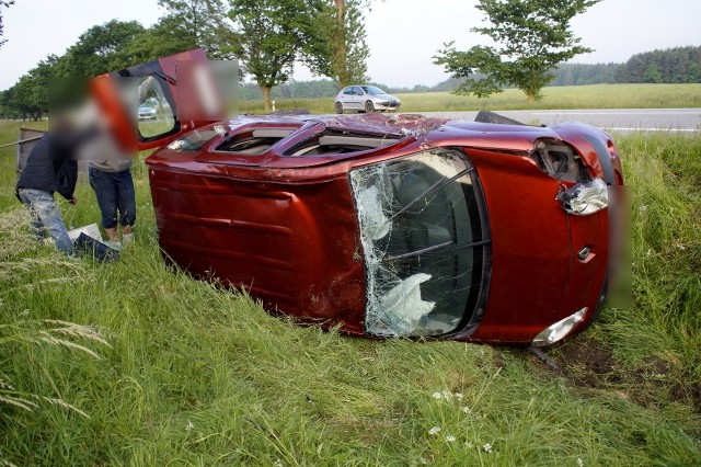Czołowe zderzenie BMW i Renaulta w miejscowości Domaradz, miało miejsce dzisiaj (12.06) po godz. 19.
