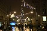 Tysiące światełek i bożonarodzeniowy jarmark na ulicy Piotrkowskiej [zdjęcia]