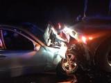 GMINA GUBIN: Kierowca mercedesa zderzył się z ciężarówką w okolicach Gubina. Trafił do szpitala [ZDJĘCIA]