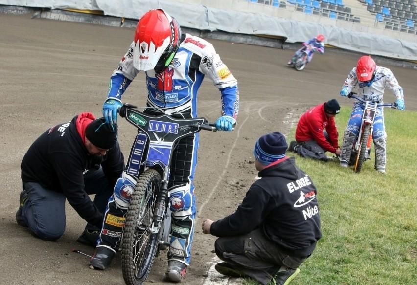 Adrian Miedziński w czwartek chce spróbować sił na motocyklu.