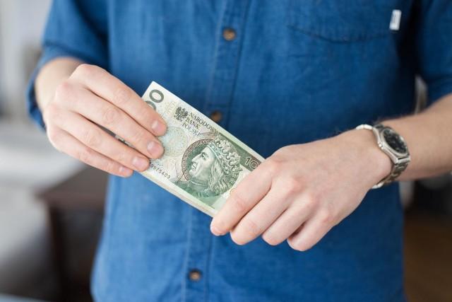 Pensja minimalna zamrożona lub zmieniona?