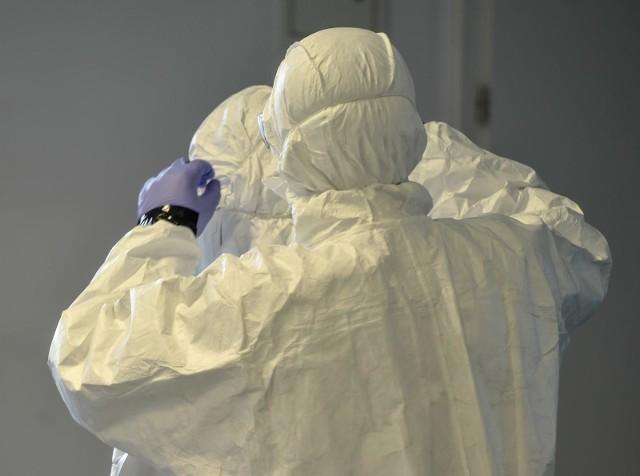 Koronawirus. Lek skuteczny na koronawirusa już blisko? We Włoszech rozpoczynają się badania na potencjalnym lekarstwem