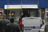 Legnica: Sprawca alarmu bombowego w szpitalu zatrzymany. Dzwonił też do Auchan