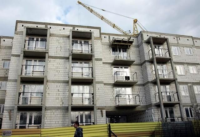 Raport z rynku nieruchomości: Mieszkania coraz tańszeWedług analityków, jeśli przed pięcioma laty ktoś kupił mieszkanie, teraz nie może liczyć na rekordowe zyski.