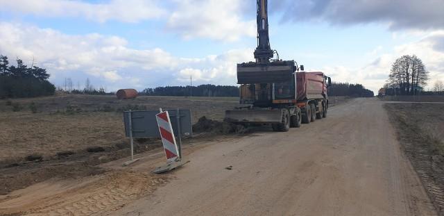 W związku z zamknięciem ruch pojazdów z drogi Niewodnica Nargilewska-Wojszki  jest kierowany na drogę w kierunku miejscowości Nowe Klewinowo, następnie przez wieś Klewinowo i dalej do przebudowywanej drogi Kudrycze - Wojszki