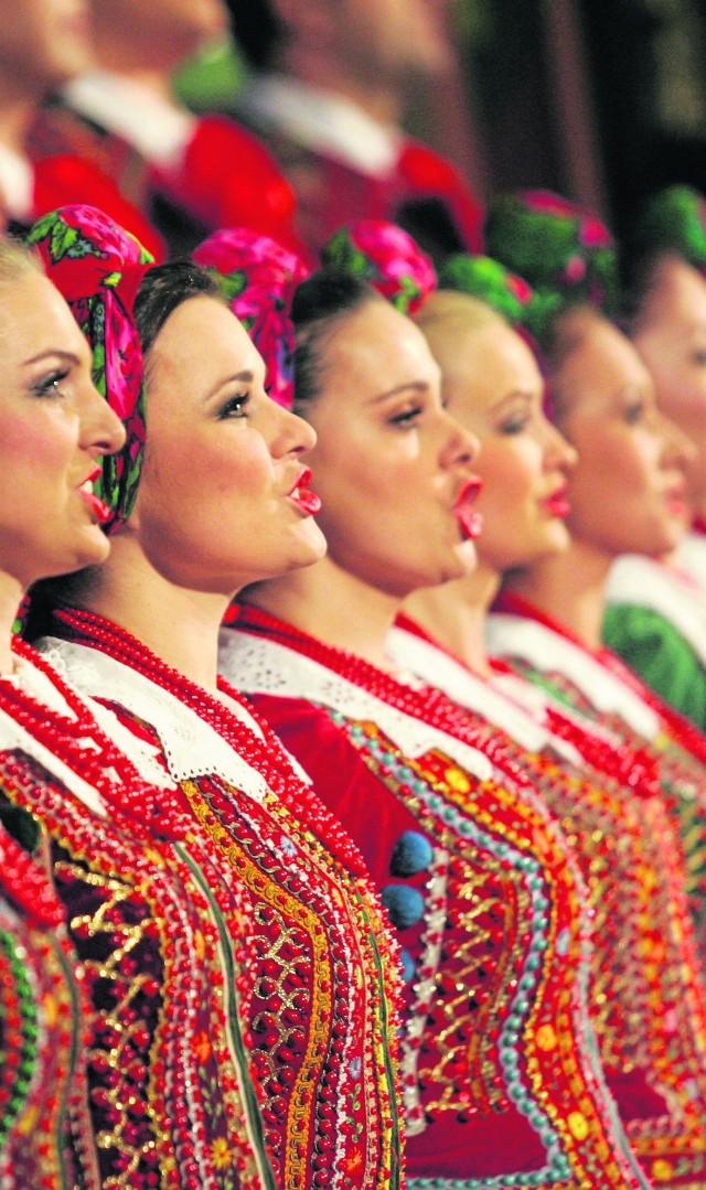 """Zespół """"Śląsk"""" od 63 lat rozsławia imię Polski na całym świecie. Ma w repertuarze nie tylko utwory związane ze śląskim folklorem"""