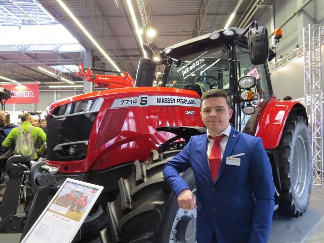 - Nowe modele tych ciągników łączą wygodę i precyzję pracy - mówi Łukasz Szlifik, właściciel firmy LUKPOL Agro otworzył oddział dealerski marki Massey Ferguson  w Górnie koło Kielc.
