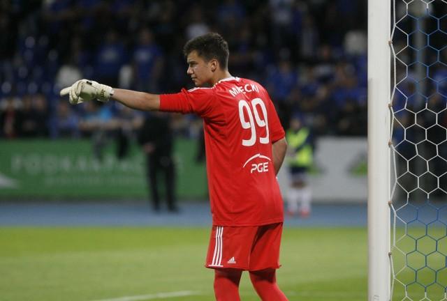 Radosław Majecki (na zdjęciu) jesienią w barwach Stali Mielec zagrał 19 spotkań