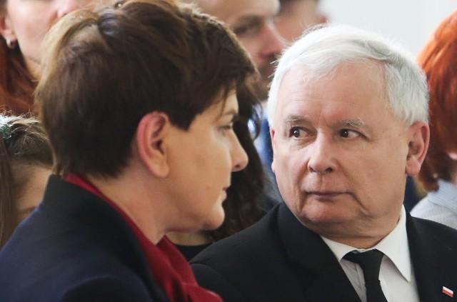 Ofiary Amber Gold prosiły polityków o interwencję, a specjalnie przygotowane listy, w których prosili o powołanie komisji śledczej skierowali m.in. do premier Beaty Szydło i prezesa PiS Jarosława Kaczyńskiego
