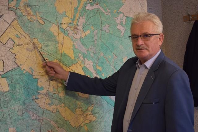 Wójt gminy Maszewo, Dariusz Jarociński mówi o planowanych inwestycjach w Gęstowicach i Trzebiechowie.