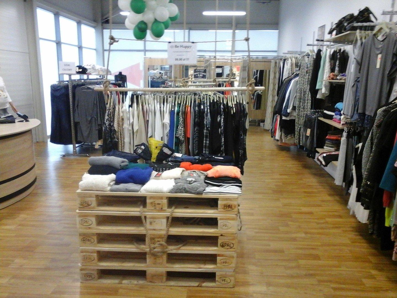 31cd2a9588 W Outlet Białystok poszerzył się sektor odzieży damskiej. Swój salon w  obiekcie otworzyła marka Be Happy