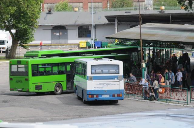 Zdaniem zielonogórskiego PKS-u władze gmin powinny rozpisać przetarg lub konkurs ofert na przewozy dzieci.
