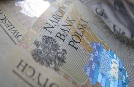 Jacek Pająk, właściciel słupskiego biura podróży Euro Travel wziął pieniądze od małżeństwa z Widzina na zakup biletów lotniczych do USA. Nigdy ich nie kupił, a teraz zniknął.