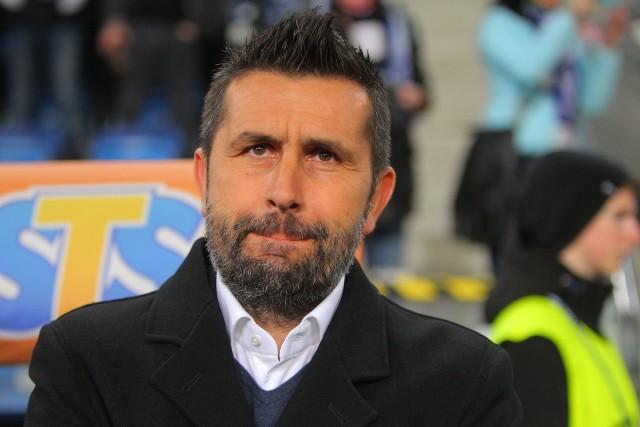 """Trener Nenad Bjelica robi wszystko, by jego piłkarze nie wyszli na boisko zbyt """"elektryczni"""""""