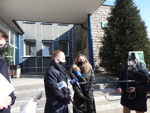 Wiceminister Adam Andruszkiewicz i Anna Biała, zastępca dyrektora departamentu rozwiązań innowacyjnych w KPRM są otwarci na współpracę z władzami Białegostoku nie tylko w sprawie umożliwienia białostoczanom składania wniosków o przedłużenie e0karty BKM przez internet, ale także wdrożenia innych usług cyfrowych przydatnych mieszkańcom