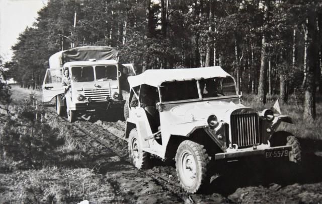 Stare zdjęcia z kroniki PTTK w Strzelnie