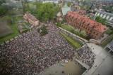 Kraków. Tysiące pielgrzymów w Łagiewnikach. Program obchodów święta Miłosierdzia Bożego